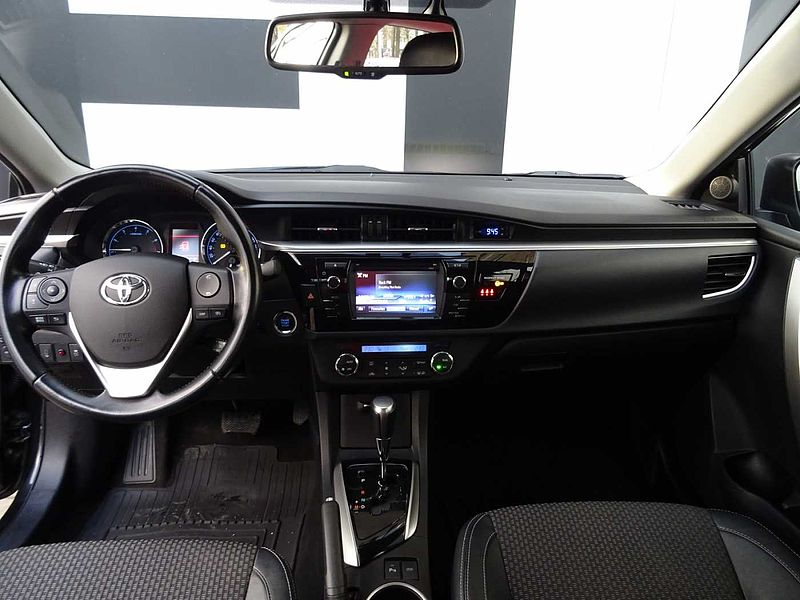 Toyota Corolla Luxury